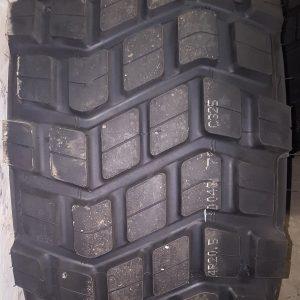 24r20.5 pneus neuf aéolus